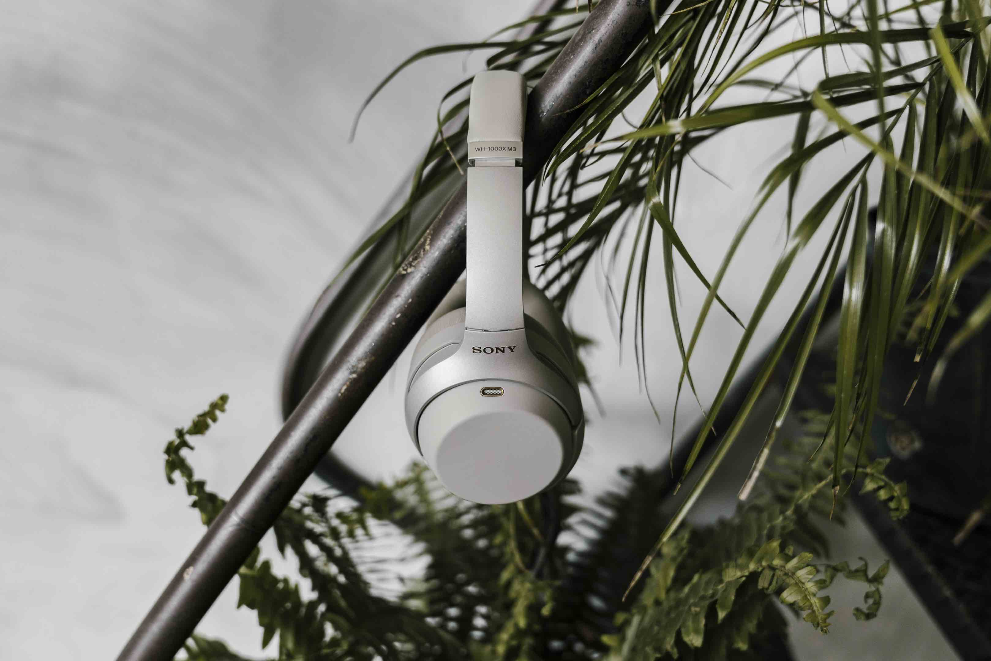 Sony WH-1000XM3 Wireless Noise-Canceling Headphones l AOV Gear Highlights